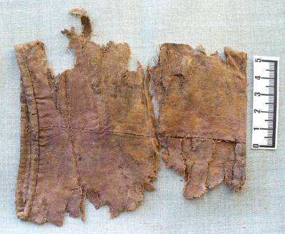 Fragmenty manzet tuniky